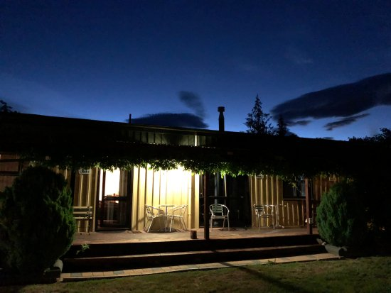 Twizel, Nueva Zelanda: View of rooms, Summer at 11pm