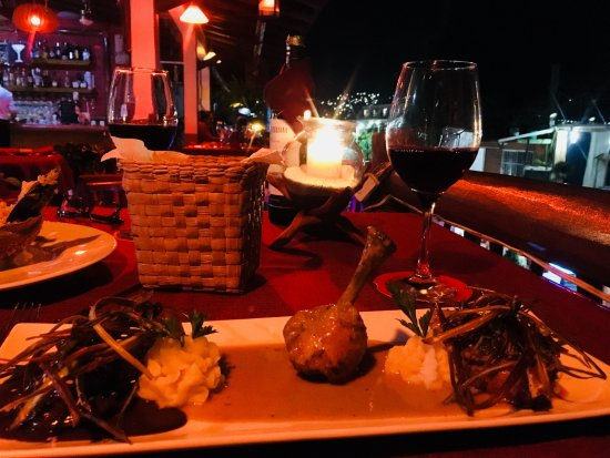 La Gula: Shrimp, chicken, and steak with 3 sauces