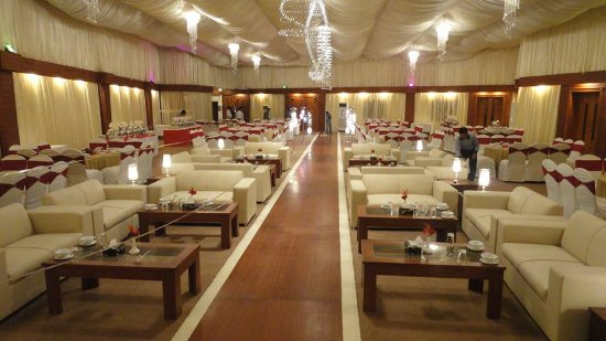 Rahimyar Khan, Pakistan: Aamna Hall 250 persons