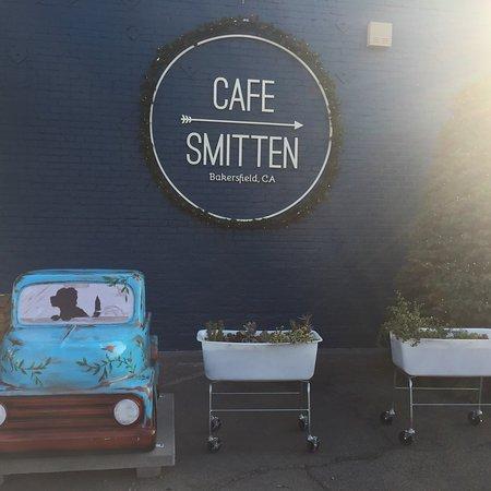 Cafe Smitten