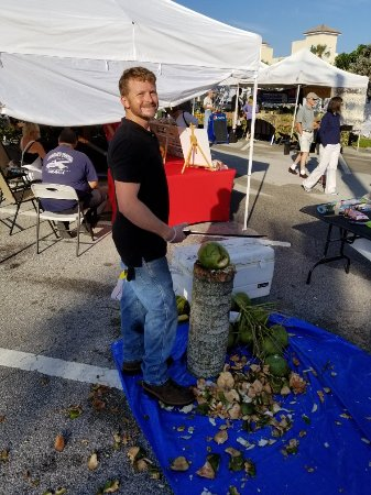 Vero beach farmer 39 s market all you need to know before for Crafts and stuff vero beach