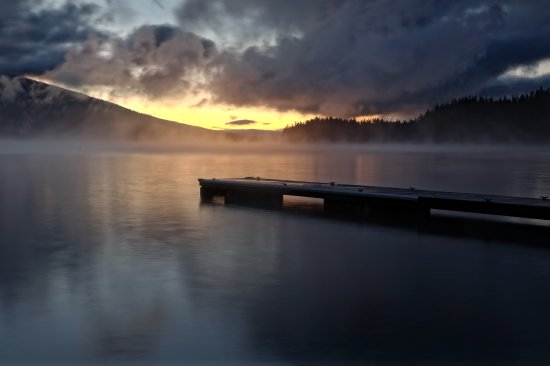 Crescent Lake, OR: Sunrise at Odell Lake