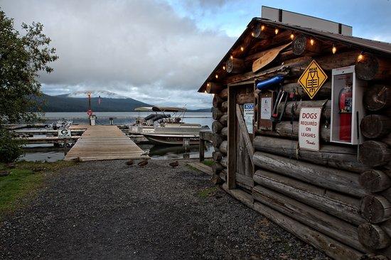 Crescent Lake, OR: Dock Walkway