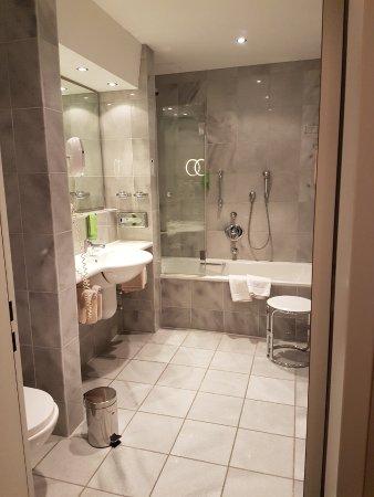 salle de bain - Bild von Schwarzwald Panorama, Bad Herrenalb ...