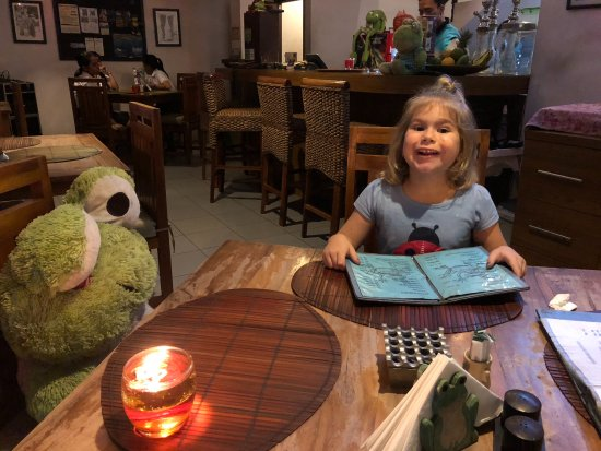 The Smiling Frog: Miss 5 loves eating at Smiling Frog
