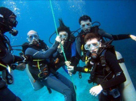 Club nocturno africano Deportes acuáticos
