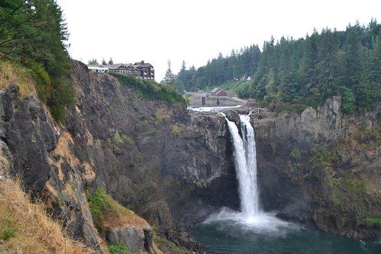 Snoqualmie Falls Med Salish Lodge I