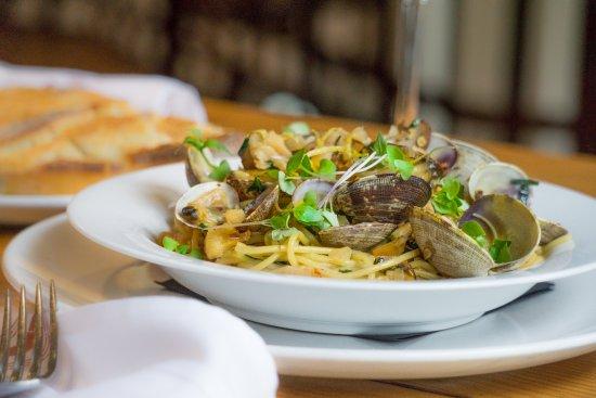 Satis Bistro: Spaghetti e Vongole
