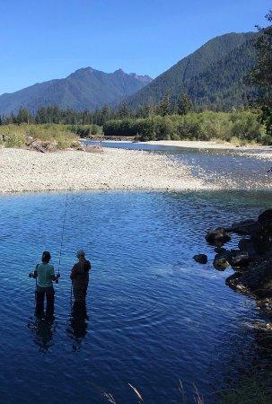 Amanda Park, Вашингтон: Fishing the upper Quinault River