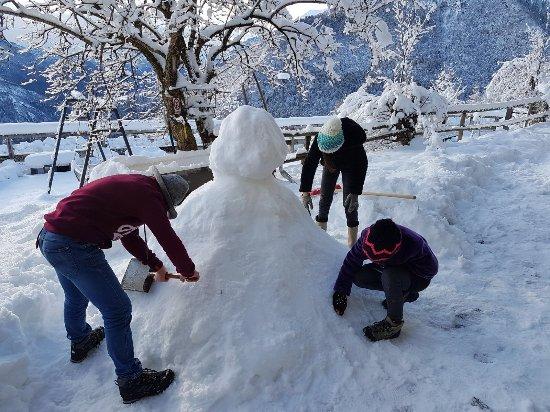 Valgoglio, Italia: Bimbi e la neve