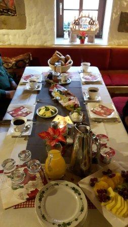 Das Tolle Frühstück An Diesem Morgen Hatten Wir Noch 2 Gäste Bild