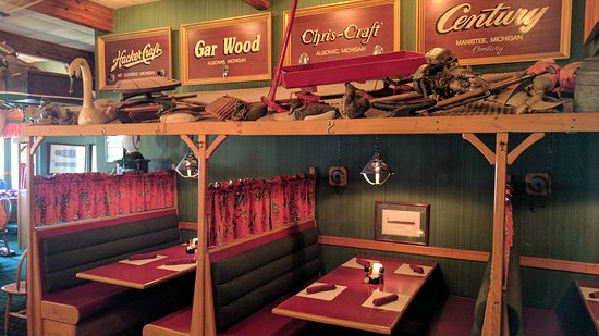 Cadillac, MI: Booths and decor