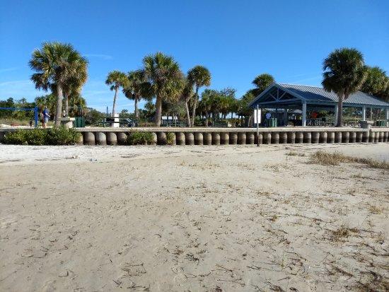 Robert K Rees Memorial Park: View at low tide