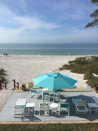 Cay Pointe Villa: Beach front.