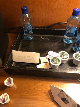 Kimpton EPIC Hotel : The tray my coffee maker was delivered on