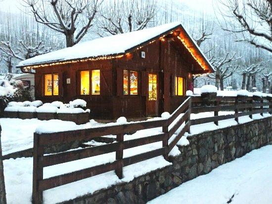 La Guingueta d'Aneu, إسبانيا: Recepció del Nou Càmping, nevada 28/12/2017