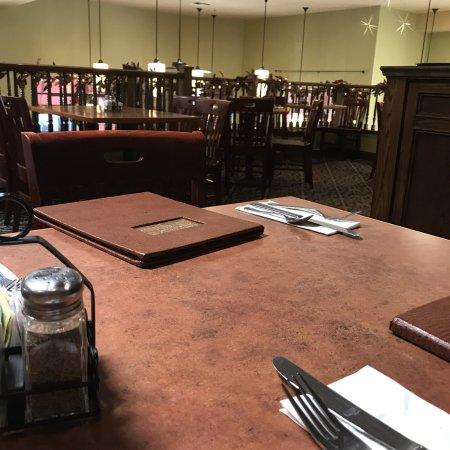 Linn's Fruit Bin Restaurant