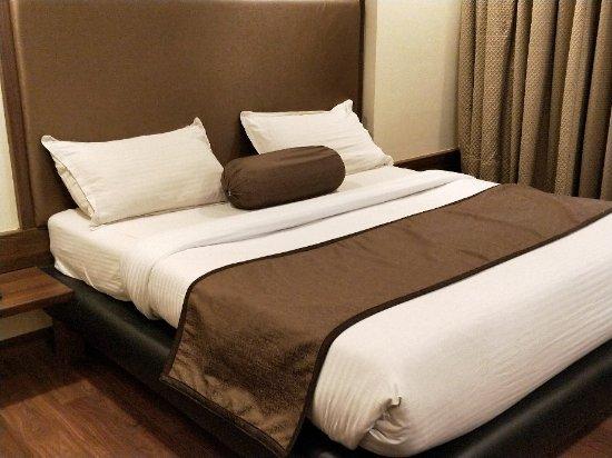 OYO 29657 HOTEL THE EMERALD (Daman, Daman and Diu) - Hotel