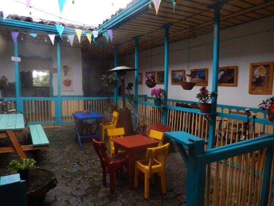 Cafe Jesus Martin: Outside patio