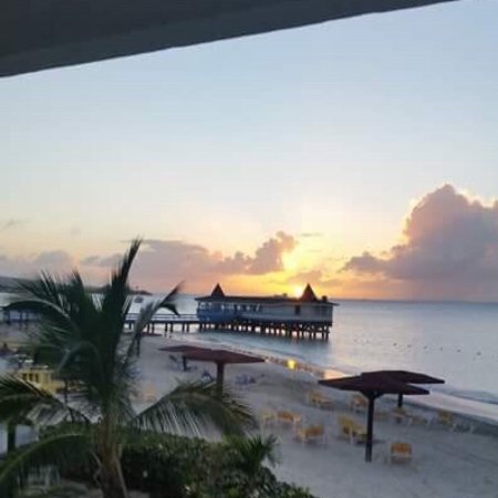 Halcyon Cove by Rex Resorts : Beautiful beach, incredible staff.