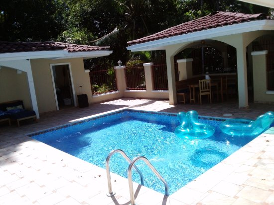 Villa Paraiso: Pool of the casitas