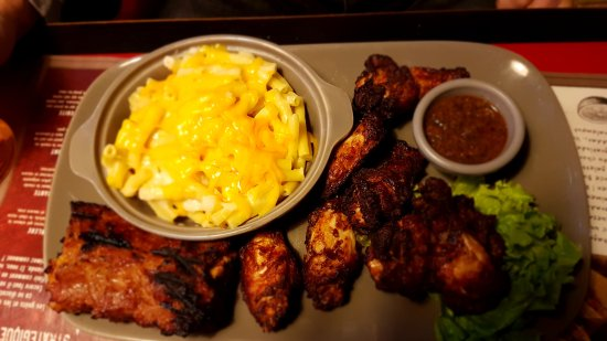 Saint-Witz, France: Mix grill met macaroni chees
