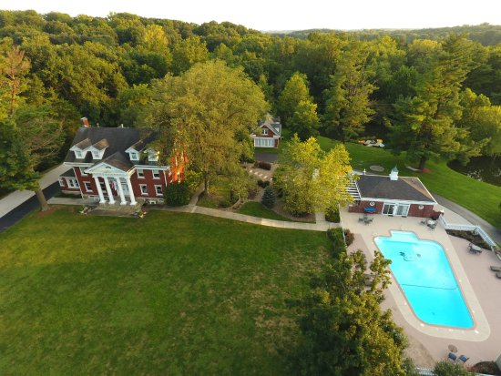 Inn on Crescent Lake: Our in-ground pool is located just steps away from the mansion.