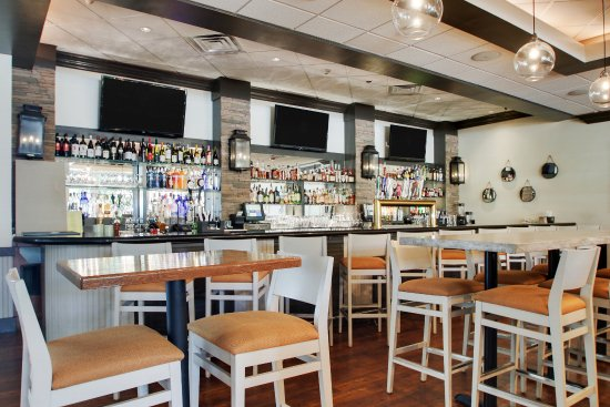 Foto De Holiday Inn Westbury Carle Place Lillies Restaurant Bar Tripadvisor