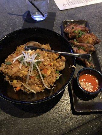 Masa 14: shrimp and steak fried rice; wings