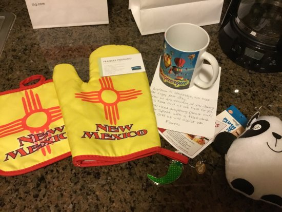 Staybridge Suites Albuquerque - Airport: Handwritten note, goodie bag for dog n a special gift for me due to losing hubby to 9/11 related