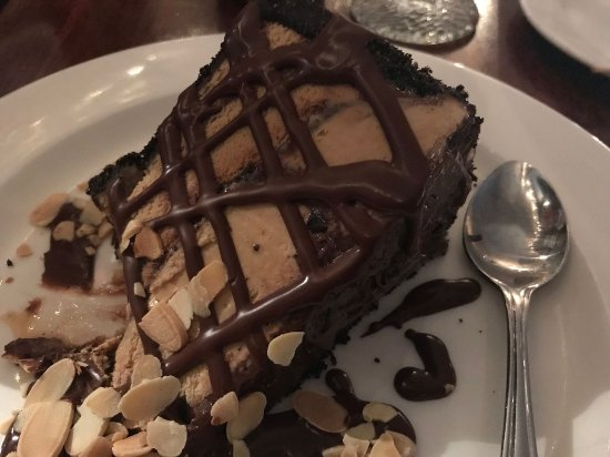 Griswold Inn ~ Dining: Mud Pie w/chocolate crust, mocha ice cream, and chocolate topping