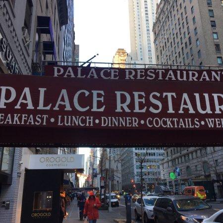 Palace restaurant coffee house nueva york centro de la for Restaurant vista palace