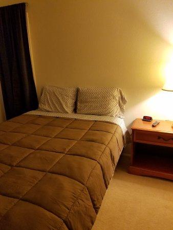 Underwood, ND: #5 Master bedroom
