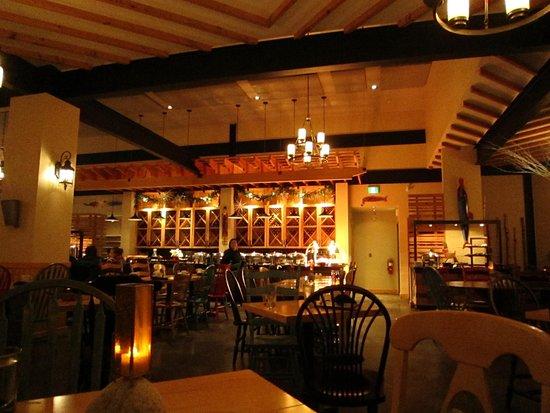 Southwest Nova Scotia, Canada : dinner buffet