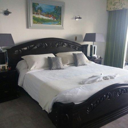 La Mansion Inn: 1225171618_large.jpg
