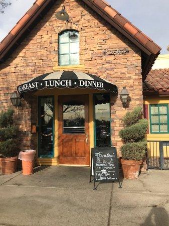 Mimi S Cafe Moreno Valley California