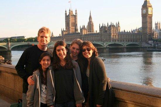 ロンドンは、ブルーバッジガイド付きファミリーフレンドリーウォーキングツアーを…