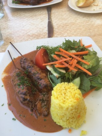 Max Seafood Restaurant: Tandoori Spiced Beef with Rice and Salad $10 Lunch Special