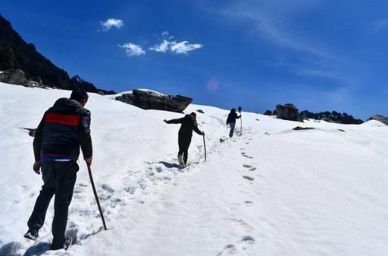 Winter Snow Trek in Himalayas in