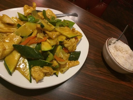 Yreka, CA: Curry Chicken portion was huge!
