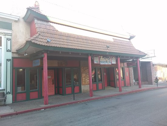 Yreka, CA: Front of restaurant