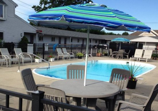 Wilbraham, MA: Pool