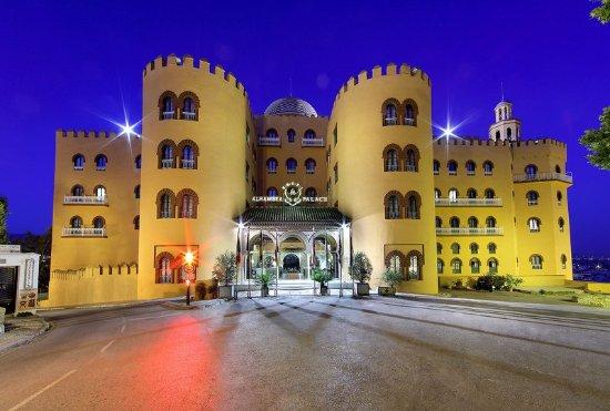 Alhambra Palace Hotel: Exterior