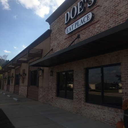 Doe's Eat Place