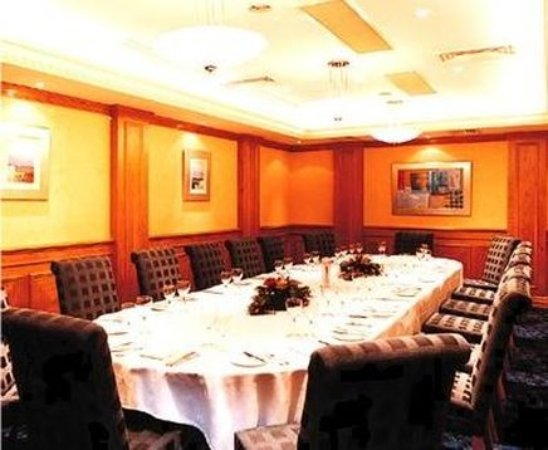 Malone Lodge Hotel & Apartments: Meeting room