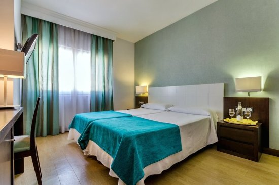Hotel Don Juan: Guest room