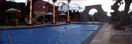 Villa San Jose Hotel & Suites: Pool