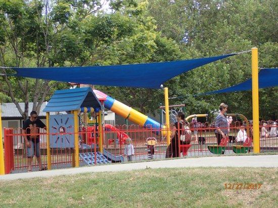 Taman Pollard: kids playground
