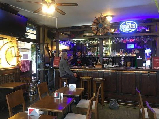 Red River Pub: Inside of pub