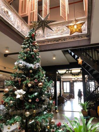 โรงแรมปูริ: Lobby area. Very comfortable.